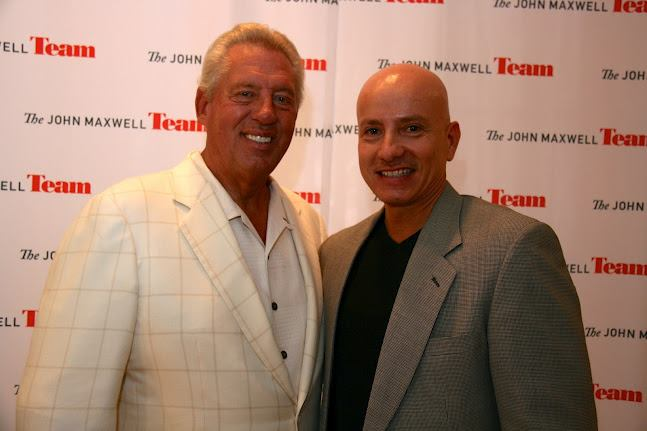 John C. Maxwell - Start Leveraging Your Leadership Into Influence ...