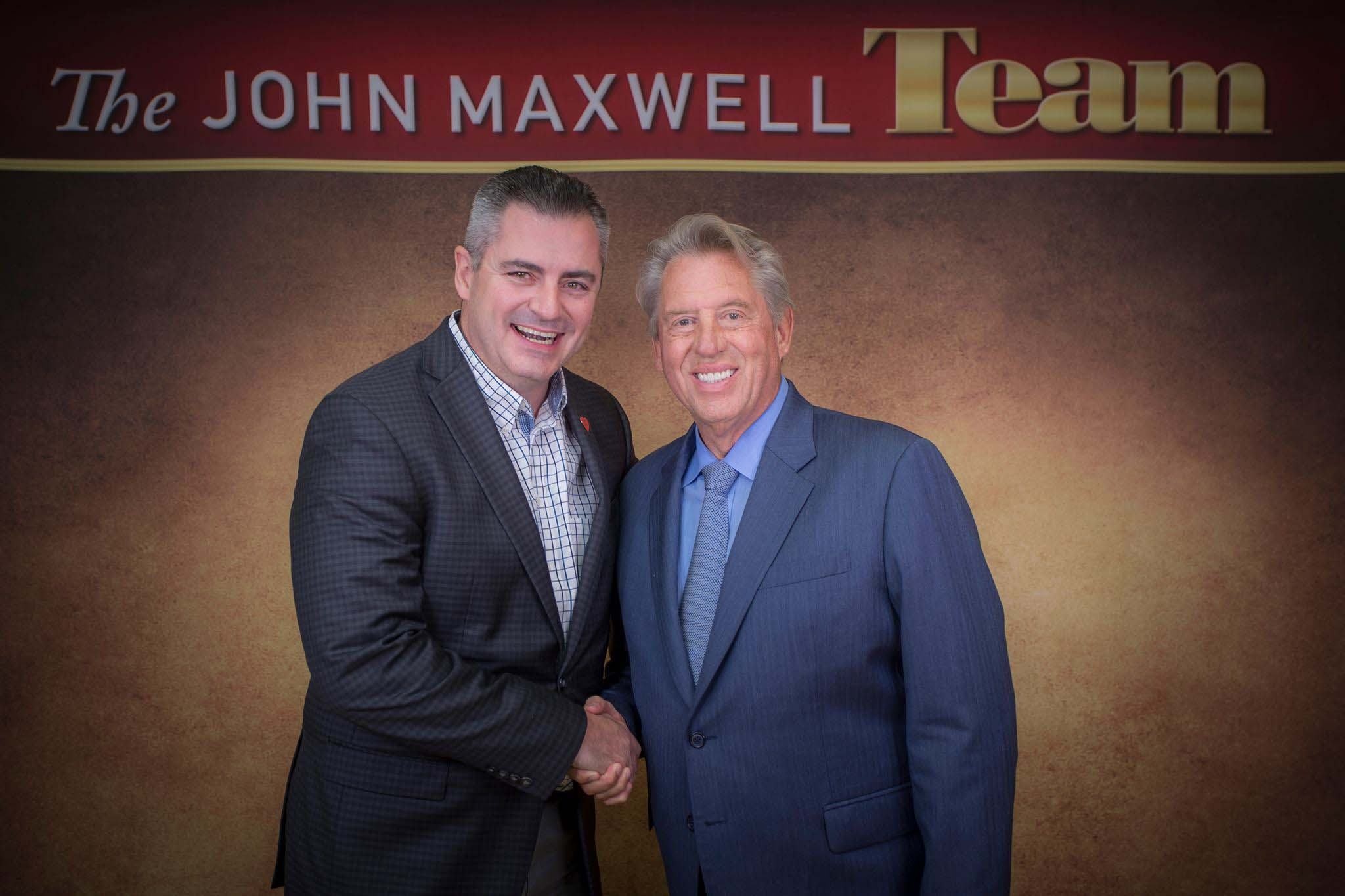 The leading edge new years resolutions john maxwell team for over 20 years and has built many successful companies in several industries he is a certified coach speaker and trainer with the john maxwell xflitez Images